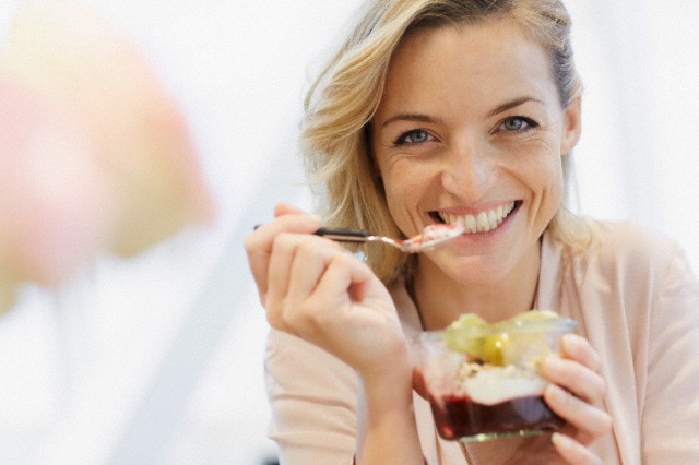 6 ways to avoid tooth decay against sweets